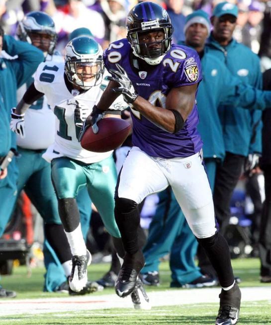 Ed Reed's crafty play at safety is a wildcard in Super Bowl XLVII. He will force Kaepernick into one mis-read interception in this game.