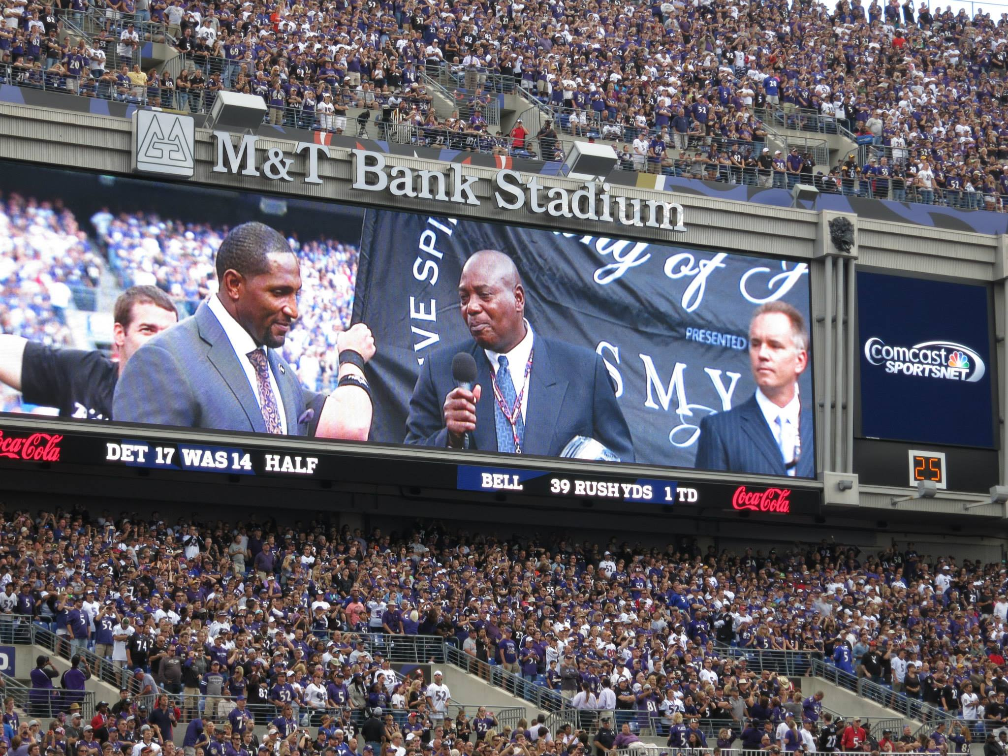 """Raven GM Ozzie Newsome addressing Ray Lewis during his """"ring of honor"""" ceremony earlier this year."""