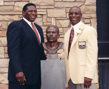 Dickerson and his former Ram teammate and fellow Hall of Famer, Jackie Slater.