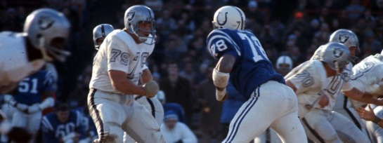Bubba smith coming off the ball.