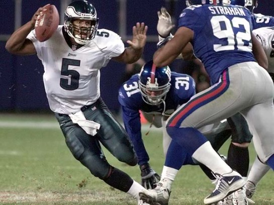 McNabb eludes Michael Strahan in the 2000 divisional playoff.